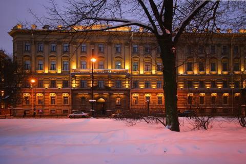 Продам 5 к.кв на Адмиралтейской наб. в Санкт-Петербурге - Фото 1