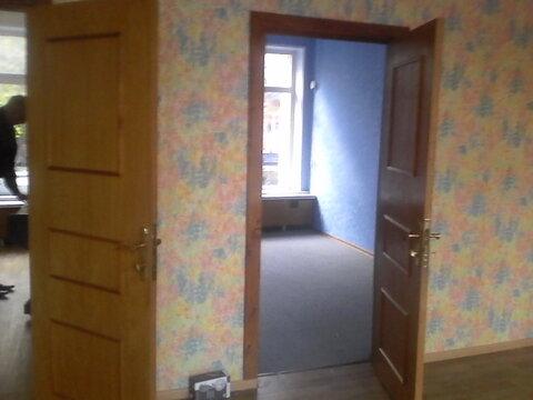 Светлое офисное помещение на первом этаже, три отдельных входа. 135 кв - Фото 1