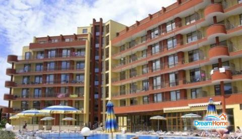 Предлагаем купить просторную двухкомнатную квартиру на Солнечном берег - Фото 1