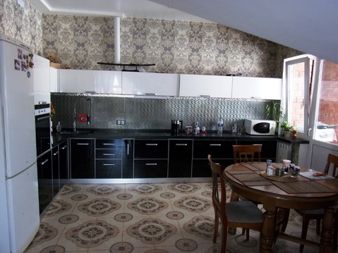 Продаётся интересная 4-комнатная квартира в новом доме около 23й школы - Фото 1