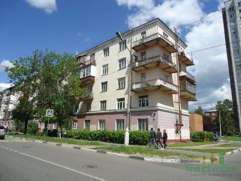 2 комнаты в 3-комнатной квартире на ул. Флёрова 4 - Фото 1