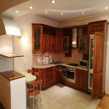 Эксклюзивная 4-комнатная с евроремонтом и мебелью. - Фото 3