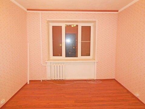 Комната 13 (кв.м) в 4-х комнатной квартире. Этаж: 3/5 кирпичного дома. - Фото 1