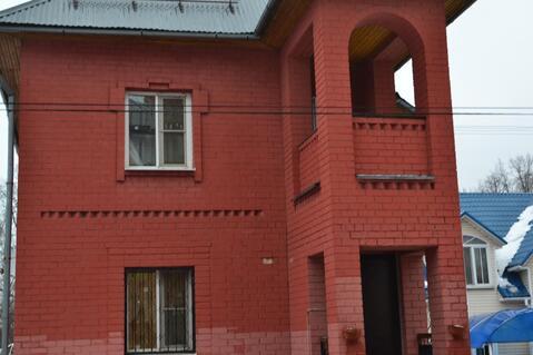 Продаётся 2-х этажный кирпичный коттедж со всеми удобствами с круглого - Фото 1