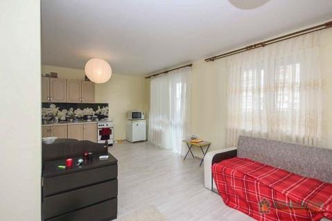 2 комнатная квартира в новом доме с ремонтом, ул. Голышева, д. 10 - Фото 1