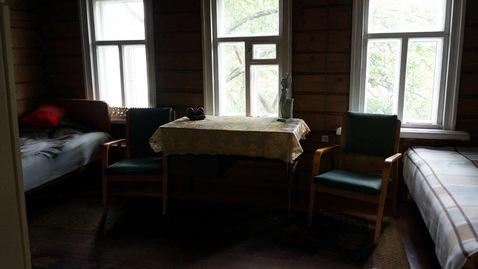 Добротный ухоженный дом из бревна с печным отоплением - Фото 2