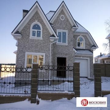 Дом 200 м2, в поселке выполненном в английском архитектурном стиле. - Фото 1