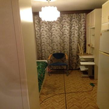 Сдается комната в 3 к кв на 1 этаже, Авангардная, д. 51, 1\5эт - Фото 1