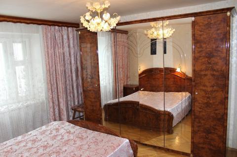 Сдаю 2 комнатную квартиру улучшенной планировки по ул.Луначарского - Фото 1