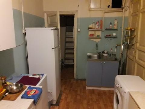 Продается комната в четырехкомнатной квартире, В.О, 16-я Линия д. 35 - Фото 3