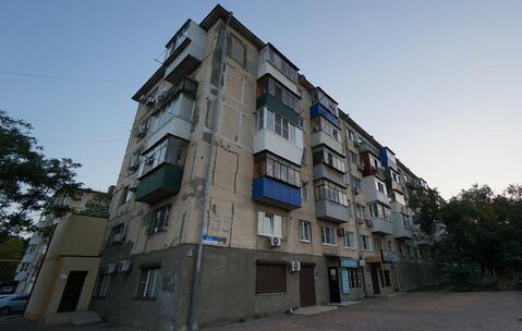 Однокомнатная Квартира Брежневской постройки с ремонтом и мебелью. - Фото 1