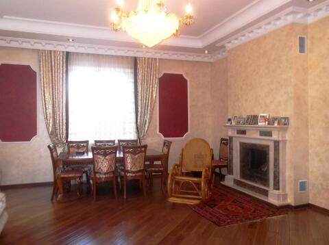 Продам 2-этажный коттедж 400 м2 , на участке 12 сот,7 км до МКАД - Фото 2