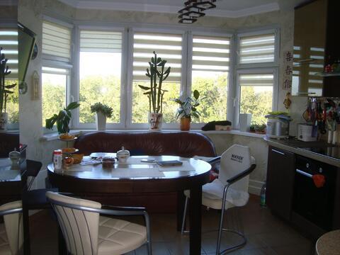 Большая двух комнатная квартира 64 кв. м. кухня 13 - эркер - Фото 2