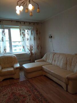 продаётся 3 комнатная квартира на 8 9 этажного дома. общая площадь 63м. комнаты 17 13 9, ...