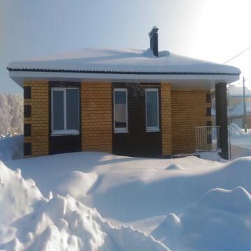 Дом 100 кв.м, пос. Акбердино - Фото 1
