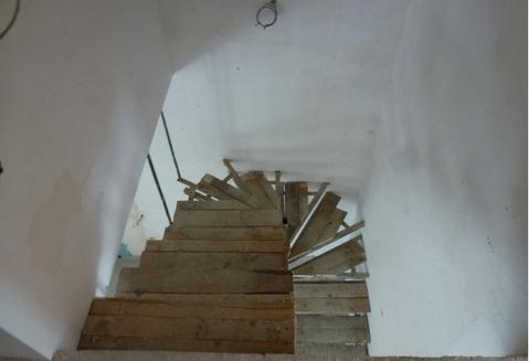 В таунхаусе на 5 семей продается квартира 11.73 кв.м. ул. Новозаречная - Фото 2