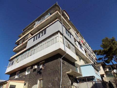 Купить квартиру в Ялте ул.Свердлова со своими удобствами - Фото 1