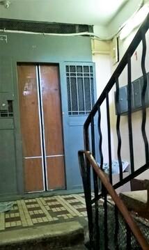 Квартира в кирпичном доме напротив метро. окна-двор - Фото 3
