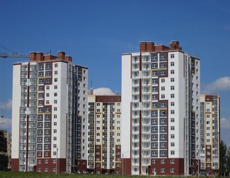 В продаже 2-комнатная квартира в номом 15-этажном доме ул. Фомушина - Фото 1