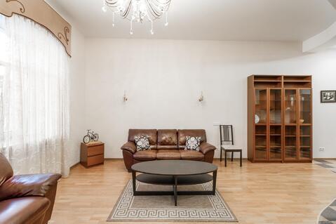 Солидная квартира с двумя спальнями на углу с Невским проспектом - Фото 4