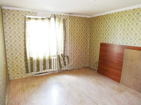 1-комнатная квартира 37 м2. Этаж: 1/5 кирпичного дома. Центр города. - Фото 3