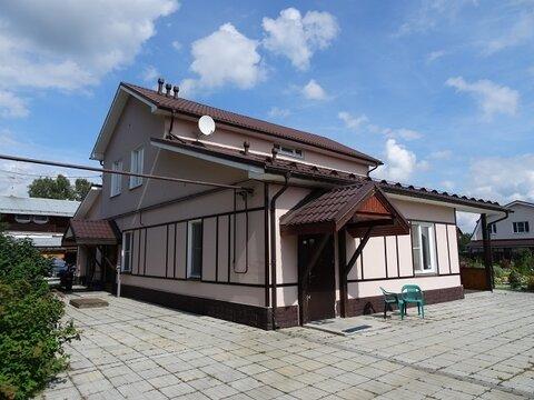 Отличный жилой коттедж, п. Растущий, 10 км от Екатеринбурга - Фото 1