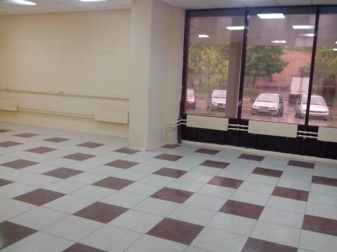 Помещение на первом этаже торгового центра на первой линии - Фото 3