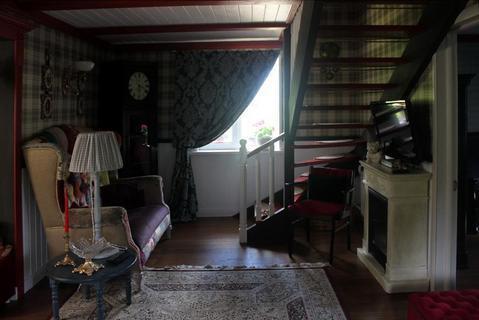 Дом с ремонтом в английском стиле и обстановкой на при лесном участке - Фото 4