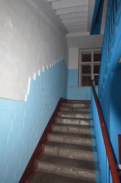 Продается комната по улице Авиамоторная , с высокими потолками . - Фото 3