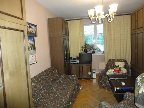 Продается комната 18кв.м в 2к.кв, О-65кв.м, кухня 10кв.м, м.Царицыно - Фото 1