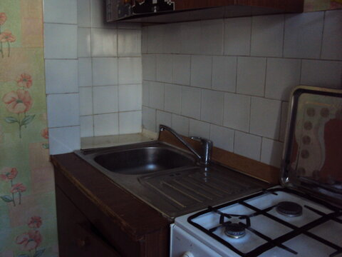 Продам 2х-комнатную 43 кв.м. 2/5, Парковая 33 - Фото 3