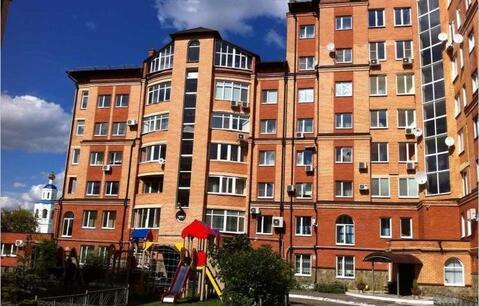 Большая красная 8 с видом на Кремль в вахитовском районе - Фото 1