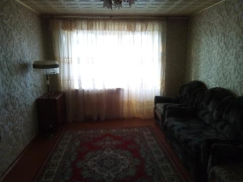 Продам 2-комнатную улучшенной планировки К. Маркса 36, 5/5, 50,6 кв.м. - Фото 1