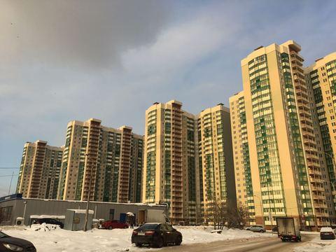 Двухкомнатная квартира в ЖК Изумрудные Холмы - Фото 1