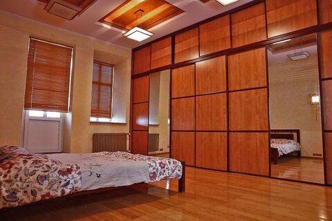 Продам трехкомнатную (3-комн.) квартиру, Зубовский б-р, 35с1, Москва г - Фото 1