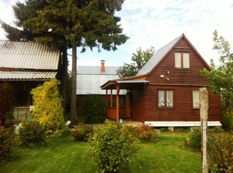 Хорошая дача в обжитом СНТ вблизи п. Дорохово, 70 км. от МКАД - Фото 1