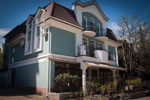 Продаётся великолепный частный бутик-отель в центре Алушты. - Фото 2