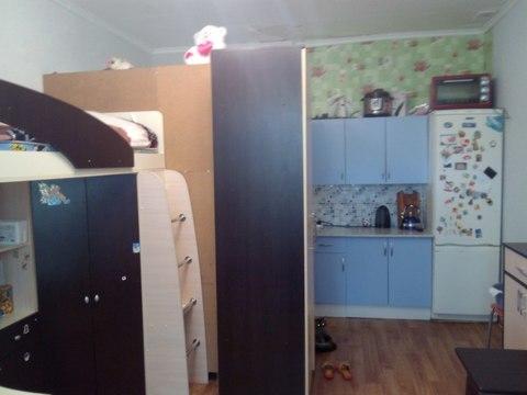 Продается отличная комната в общежитии, на 4/4эт, 20,3кв.м, высокие 3х . - Фото 1