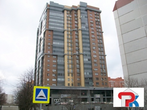 Продается Трехкомн. кв. г.Одинцово, Маршала Крылова б-р, 25а - Фото 1