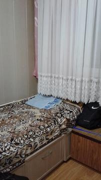 Комната с косметическим ремонтом, разделена на 2 зоны. - Фото 1
