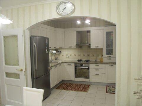 Трехкомнатная квартира: г.Липецк, Шубина бульвар, д.5 - Фото 2