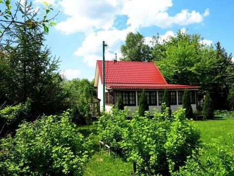 Кирпичный жилой дом 140 кв.м. на ухоженном, зеленом участке 15 соток. - Фото 3