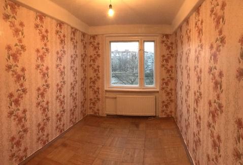 Продажа комнаты в Колпино. Заводской пр, дом 54 - Фото 1