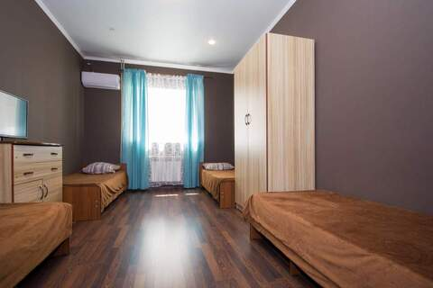 Аренда: 4 комнаты, 12 м2, Сочи - Фото 2
