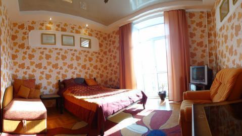 Однокомнатная квартира возле Октябрьской площади в аренду посуточно., Квартиры посуточно в Минске, ID объекта - 300574815 - Фото 1