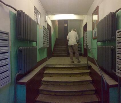 Продается 1-ая квартира, ул. Красноказарменная, 16б, 2/9 этаж - Фото 3