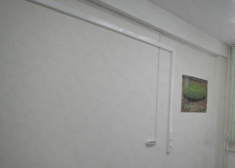 Помещение в торгово-офисном центре. 74,1 кв.м. Первый этаж, отд. вход - Фото 2