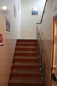 Офисное помещение на 2 этаже нежилого здания. 37 кв.м. - Фото 2