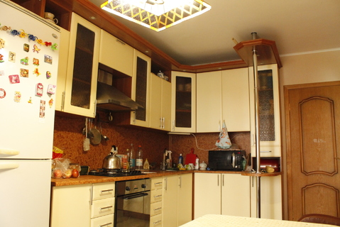 Продается просторная 2-х комнатная квартира на ул.25 лет Октября 14 - Фото 1