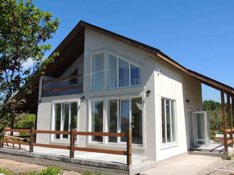 продается отличный, двухэтажный коттедж из сэнгвич панелей с утеплителем на бето ...